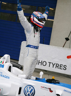 Series champion Edoardo Mortara, Signature Dallara F308 Volkswagen