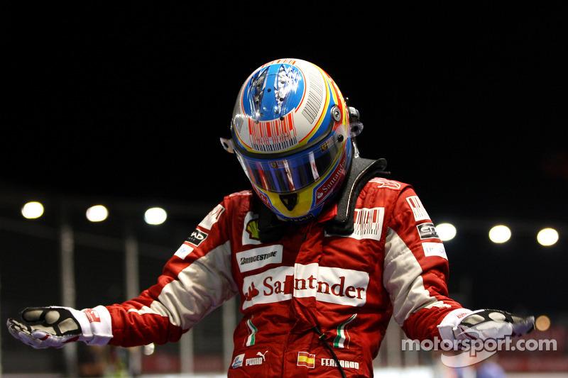 [Imagen: f1-singapore-gp-2010-race-winner-fernand...errari.jpg]