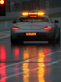 The safety car inspects the circuit