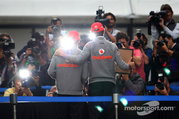 Lewis Hamilton, McLaren Mercedes, Jenson Button, McLaren Mercedes, hand printing session