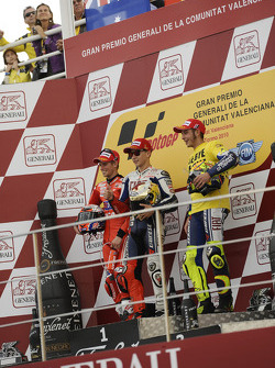 Podium: race winner Jorge Lorenzo, Fiat Yamaha Team, second place Casey Stoner, Ducati Marlboro Team, third place Valentino Rossi, Fiat Yamaha Team