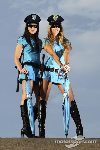The lovely Rizla Suzuki girls