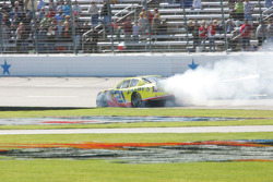 Clint Bowyer blows up on the front straight