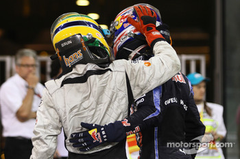 Bruno Senna, Hispania Racing F1 Team and Mark Webber, Red Bull Racing