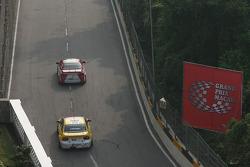 Philip Ma, Jacob & Co Racing Team Honda Accord and Colin Turkington, eBay Motors BMW 320si