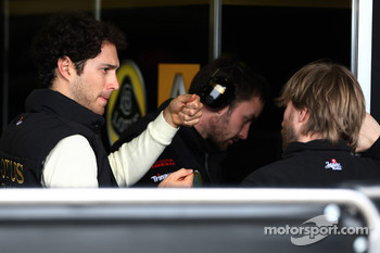 Nick Heidfeld, testing for Lotus Renault GP, Bruno Senna, Lotus Renault GP Test Driver