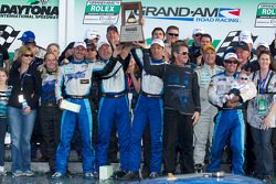GT victory lane: class winners Steven Bertheau, Brendan Gaughan, Wolf Henzler, Andy Lally and Spencer Pumpelly