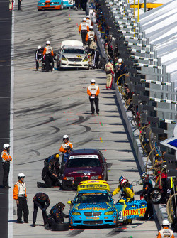 Pit stop for #13 Rum Bum Racing BMW M3 Coupe: Nick Longhi, Matt Plumb