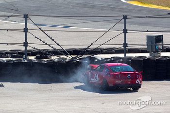 #61 Roush Performance Mustang Boss 302R: Billy Johnson, Jack Roush Jr. crashes