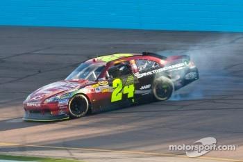 Race winner Jeff Gordon, Hendrick Motorsports Chevrolet celebrates