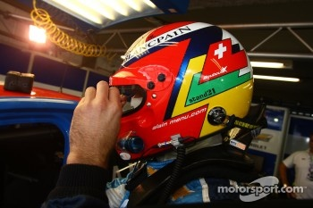 Alain Menu, Chevrolet Cruze 1.6T, Chevrolet with a message for his father on the helmet
