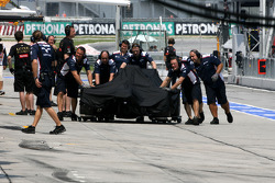 Pastor Maldonado, Williams F1 Team crashes at the pitlane entrance