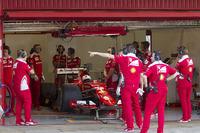 Sebastian Vettel, Ferrari SF15-T testant des pneus Pirelli 2017