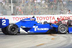 Oriol Servia, Newman/Haas Racing spins
