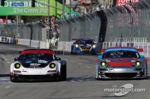 #44 Flying Lizard Motorsports Porsche 911 GT3 RSR: Darren Law, Seth Neiman, #48 Paul Miller Racing Porsche 911 GT3 RSR: Bryce Miller, Sascha Maassen