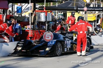 Pit stop for #33 Level 5 Motorsports Lola Honda: Scott Tucker, Christophe Bouchut