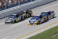 Martin Truex Jr., Michael Waltrip Racing Toyota, Bobby Labonte, JTG Daugherty Racing Toyota, Carl Edwards, Roush Fenway Racing Ford, Marcos Ambrose, Petty Motorsport Ford