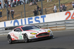 #86 Young Driver AMR Aston Martin Vantage: Tomas Enge, Alex Müller