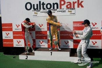 Podium from left: Lucas Foresti, Felipe Nasr and Menasheh Idafar