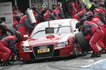 Pitstop for Oliver Jarvis, Audi Sport Team Abt, Audi A4 DTM