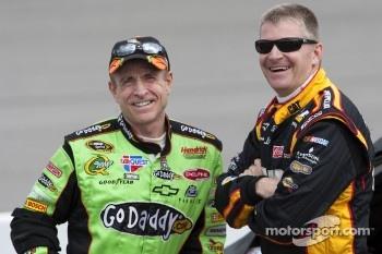 Mark Martin, Hendrick Motorsports Chevrolet, Jeff Burton, Richard Childress Racing Chevrolet