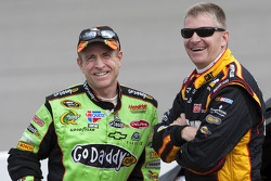 Mark Martin, Hendrick Motorsports Chevrolet, Jeff Burton, Richard Childress Racing Chevrolet