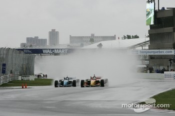 Start: Sébastien Bourdais and A.J. Allmendinger battle for the lead