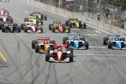 Start: Justin Wilson takes the lead