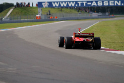 Sébastien Bourdais, in the opposite straight