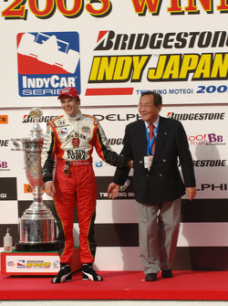 Race winner Dan Wheldon