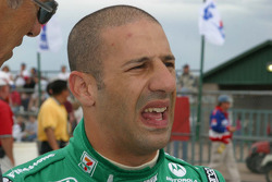 Tony Kanaan reacts to his qualifying run