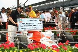 Race winner Sam Hornish Jr.accepts the Tag Heuer Award