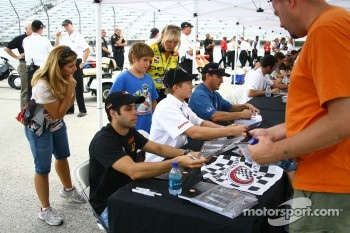 Vitor Meira, Ryan Briscoe and Jeff Bucknum