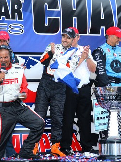 Victory lane: Dario Franchitti celebrates the win and the 2007 IndyCar Series championship