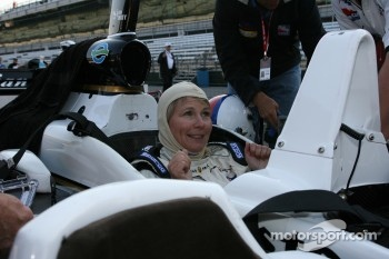 Kristi Lee in the IndyCar Series 2-seater