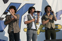 The Jonas Brothers perform the national anthem