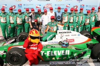 Podium: race winner Tony Kanaan
