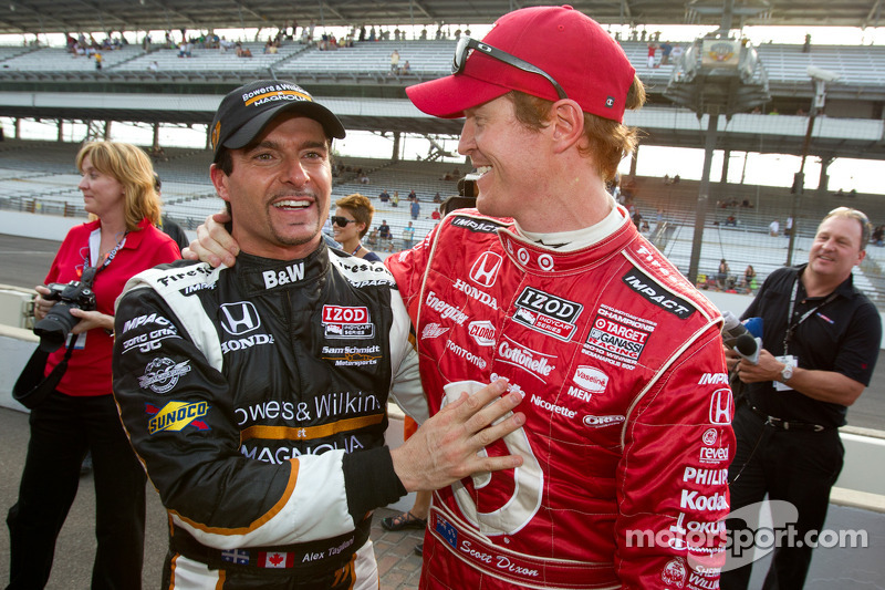 Pole winner Alex Tagliani, Sam Schmidt Motorsports celebrates with Scott Dixon, Target Chip Ganassi Racing
