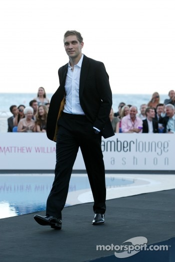 Vitaly Petrov, Lotus Renault GP, Amber Lounge Fashion