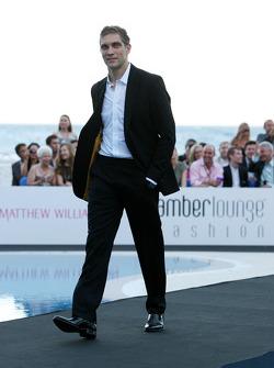 Vitaly Petrov, Lotus Renault GP, Amber Lounge Fashion