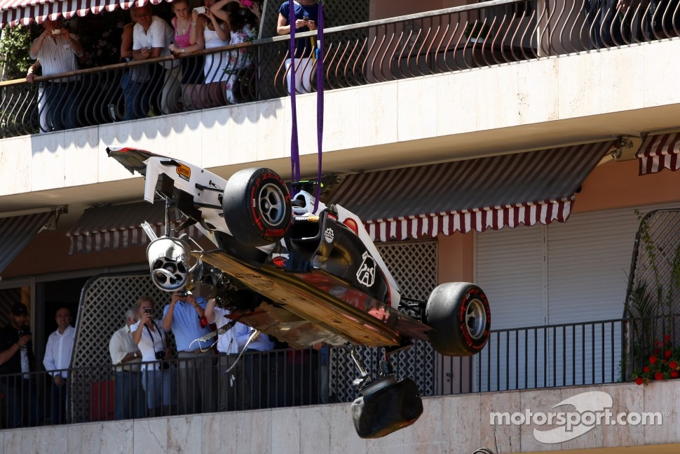 The car after the crash of Sergio Perez, Sauber F1 Team