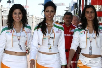 Force India F1 Team girls