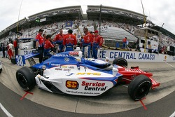 Car of Graham Rahal, Service Central Chip Ganassi Racing