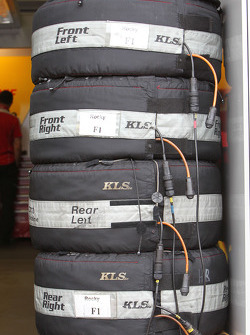 tyre warmer of Mike Rockenfeller, Audi Sport Team Abt Sportsline Audi A4 DTM