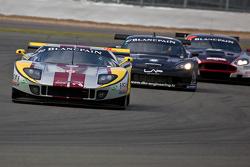 #41 Marc VDS Racing Ford GT Matech GT1: Maxime Martin, Frederic Makowiecki leads #47 DKR Engineering Corvette Z06 GT1: Michaël Rossi, Jamie Camara