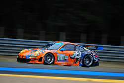 #80 Flying Lizard Motorsports Porsche 911 RSR: Jörg Bergmeister, Patrick Long, Lucas Luhr, #79 Jota Aston Martin Vantage: Sam Hancock, Simon Dolan, Chris Buncombe