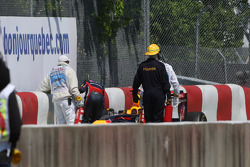 Sebastian Vettel, Red Bull Racing crashes