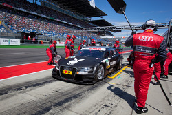 Pit stop for Edoardo Mortara, Audi Sport Team Rosberg Audi A4 DTM