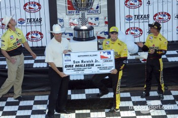 Sam Hornish Jr. receiving his check