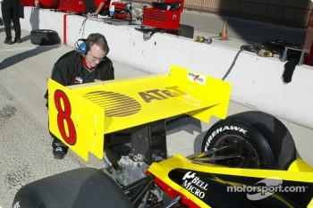 Kelley Racing crew member